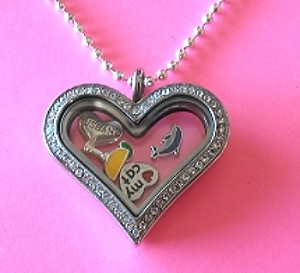 Little Story Locket-Heart Pendant
